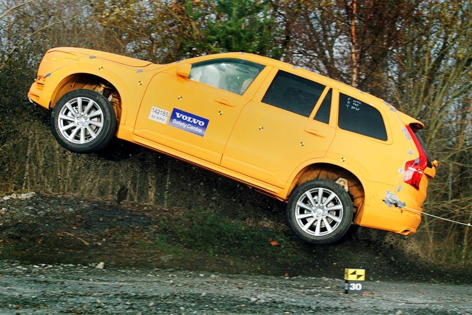 Volvo XC90, crashtest w terenie
