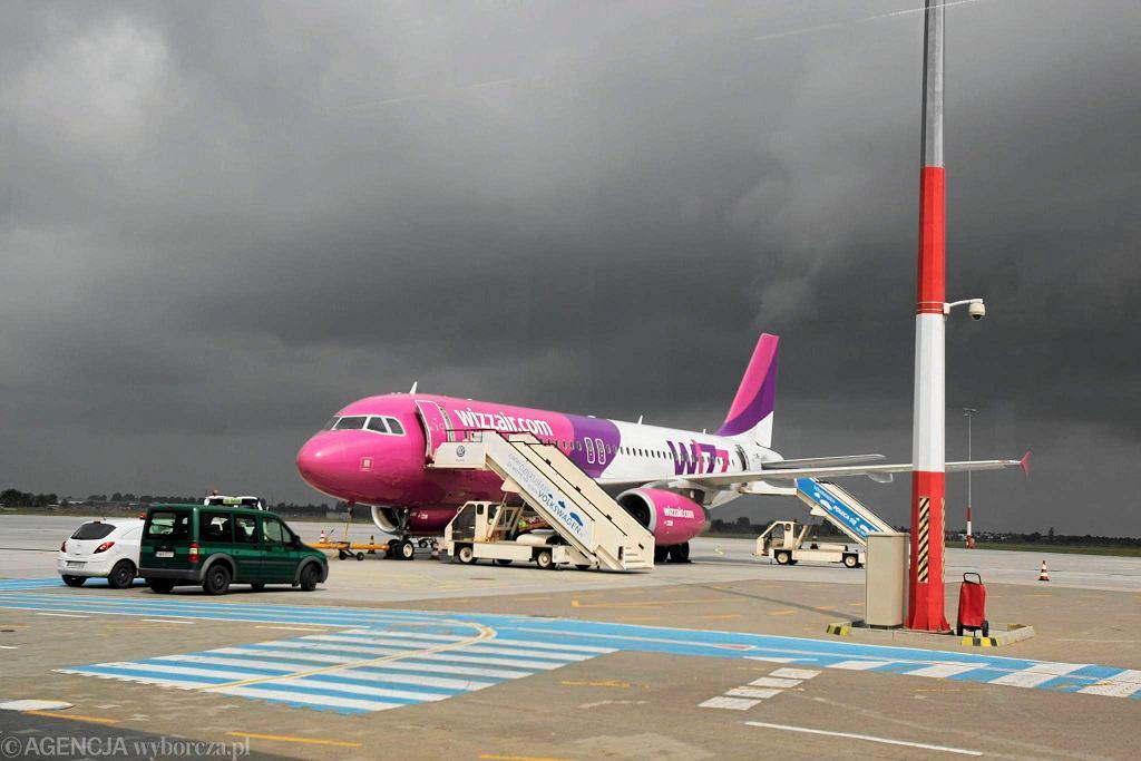 Lotnisko Ławica w Poznaniu. Samolot Wizzair