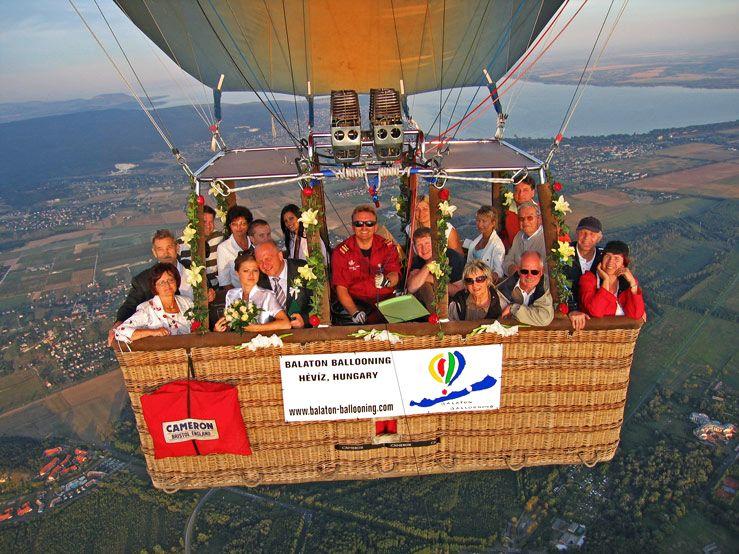 Lot nad Balatonem, Węgry / fot. www.balaton-ballooning.com/