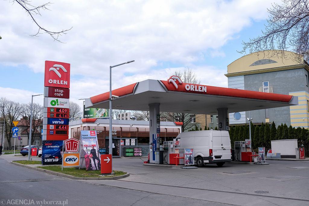 PKN Orlen wprowadził opłaty na pięciu stacjach ładowania e-pojazdów