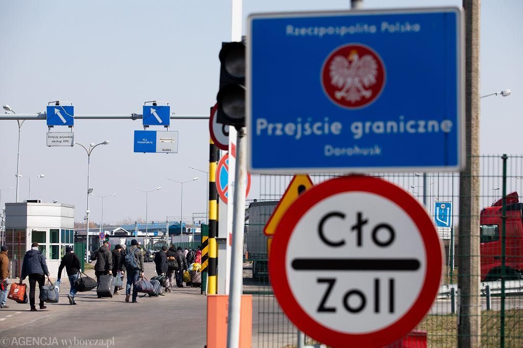 Wyjeżdżając z Polski na święta w wielu krajach trzeba się liczyć z obowiązkową kwarantanną