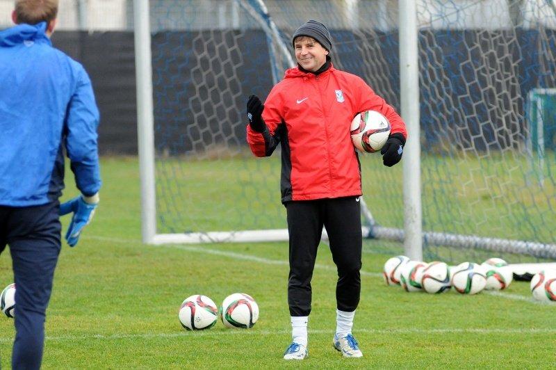 Lech Poznań trenuje przed meczem z Piastem Gliwice. Trener bramkarzy Andrzej Dawidziuk