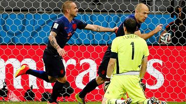 Iker Casillas pokonany przez Arjena Robbena