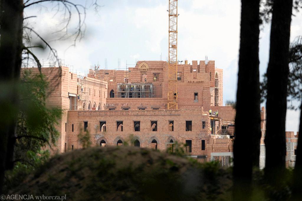 Zamek w Puszczy Noteckiej