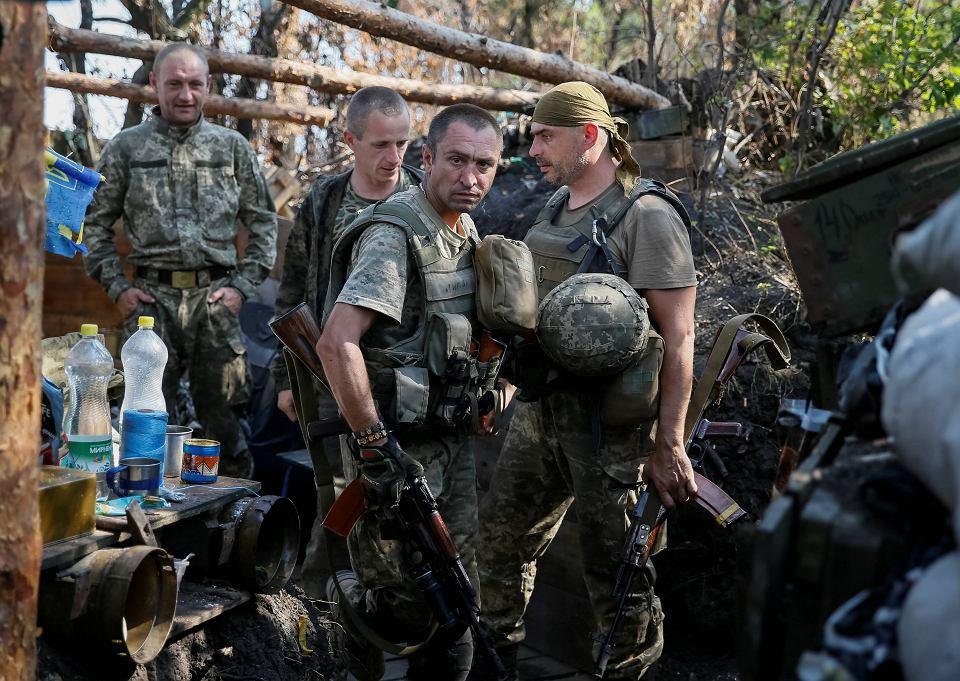Ukraińscy żołnierze we wsi Krasnogorowska