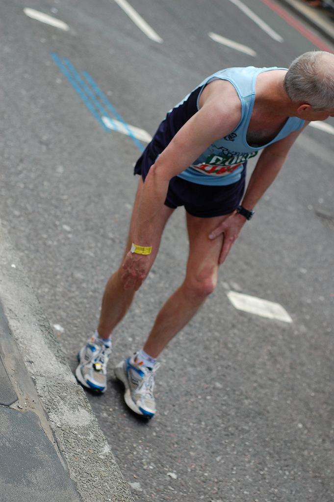 Skurcze łydek i mięśni - czego są oznaką?