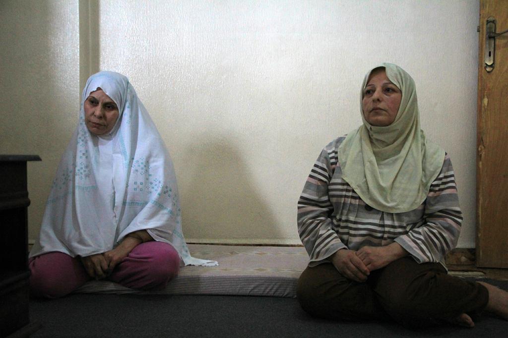 Siostry Zendar i Rukaia w izbie wynajmowanego mieszkania