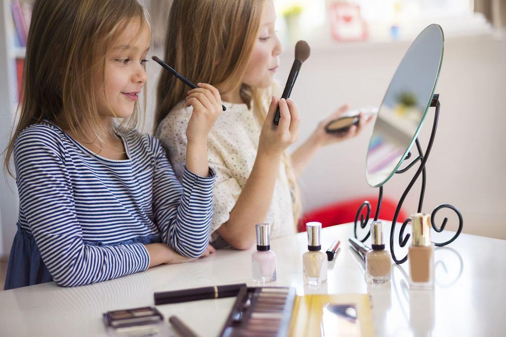 Pozwlić córce na makijaż?