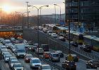 Większość kierowców chce ograniczyć ruch w centrach miast