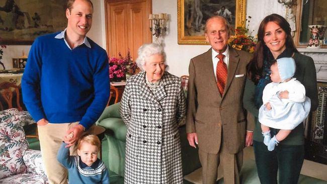 Nie jedzą ziemniaków i nie odkurzają w Pałacu Buckingham. Zaskakujące zasady rodziny królewskiej