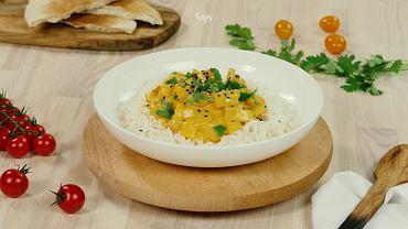 Curry z kurczakiem w sosie serowym