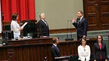 Inauguracja prezydenta RP Andrzeja Dudy. Prezydent przysięga na konstytucję.