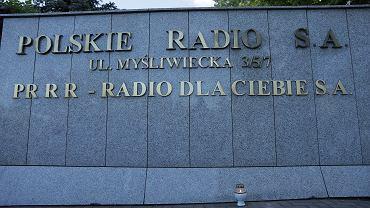 H Protest dziennikarzy Trjki' pod siedziba Programu III Polskiego Radia