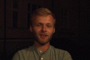Adrian (24 lata), Rumia