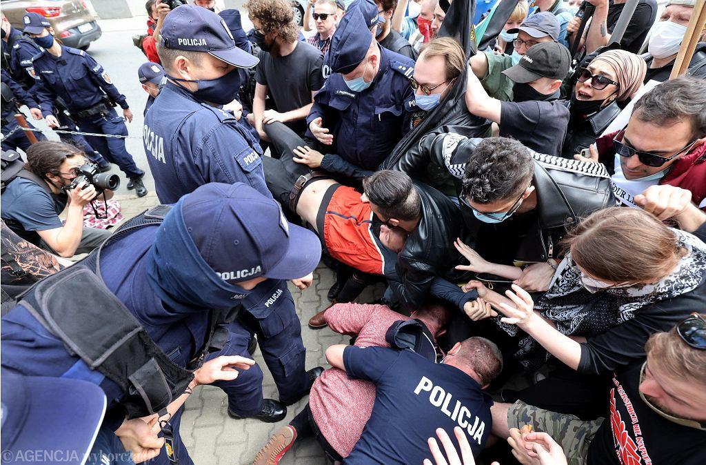 15.05.2021 - interwencja policji podczas protestu (zdjęcie ilustracyjne)