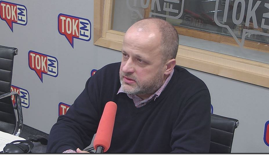 Sędzia Piotr Gąciarek w studiu TOK FM.