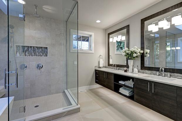 Pięć sprawdzonych sposobów na czyszczenie kabiny prysznicowej