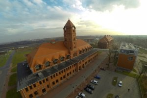 Hałda w Gliwicach znika, w jej miejscu powstają nowe biurowce