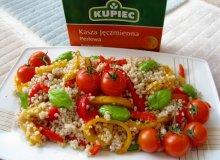 Sałatka z kaszy jęczmiennej i pieczonej papryki oraz pomidorków - ugotuj