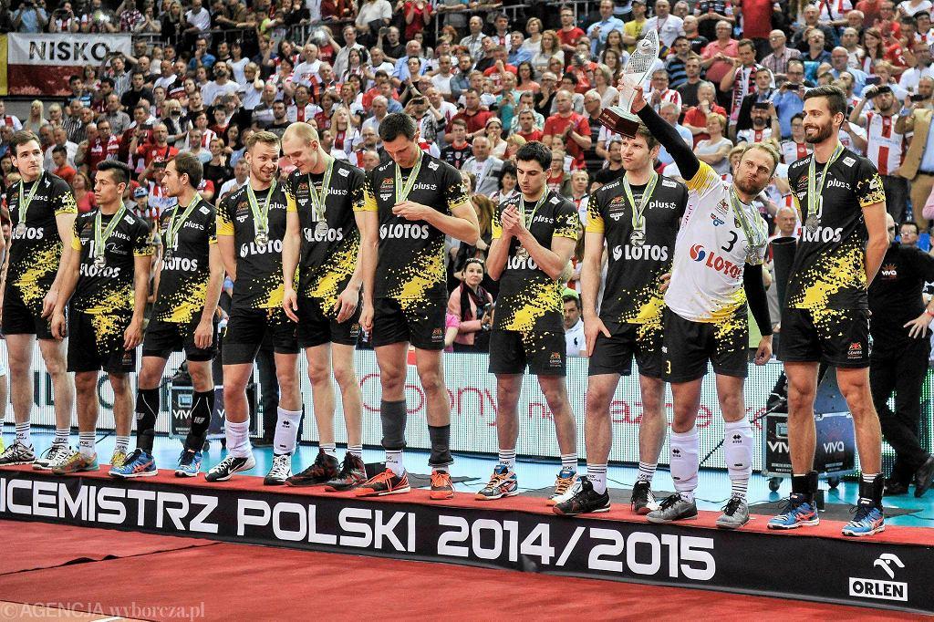 Siatkarze Lotosu Trefl Gdańsk wicemistrzem Polski w sezonie 2014/15. Warto podkreślić, że gdańszczanie dokonali tego grający przez cały sezon żelazną