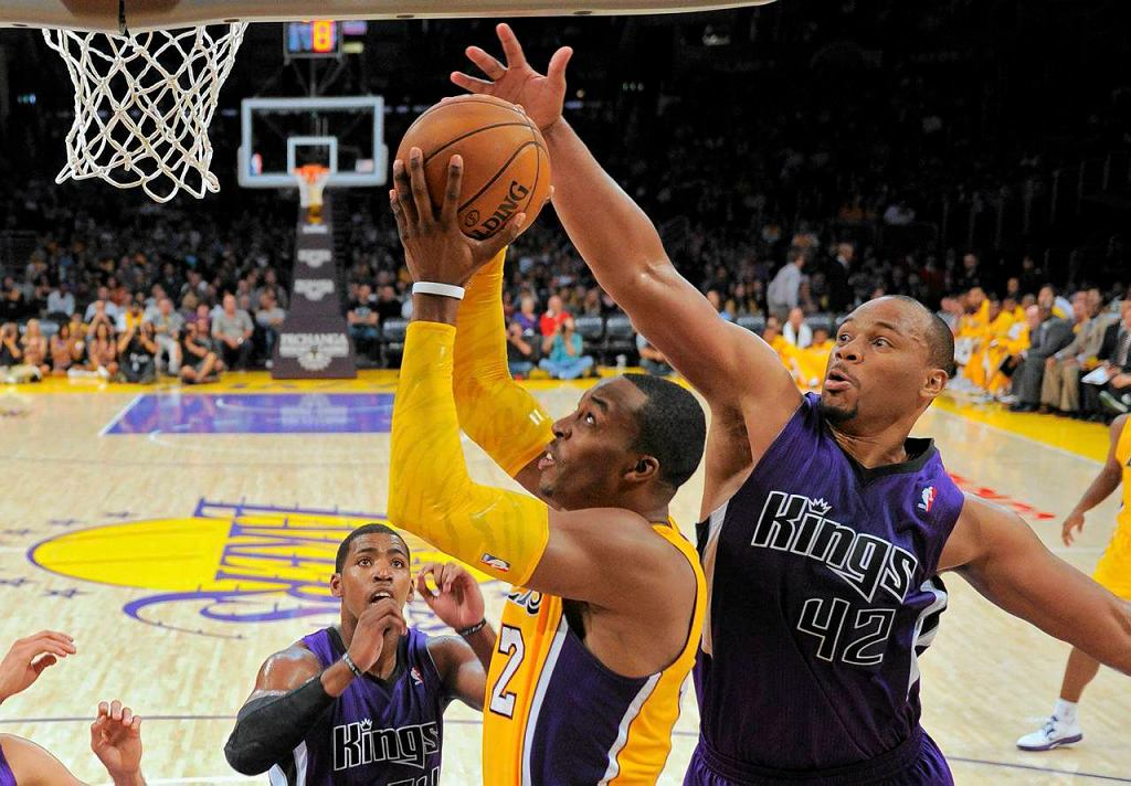 Los Angeles Lakers - Sacramento Kings. Dwight Howard