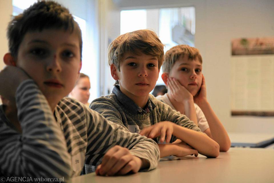 Zdjęcie numer 8 w galerii - Uczniowie dostali walizki. I mieli minutę, żeby się spakować