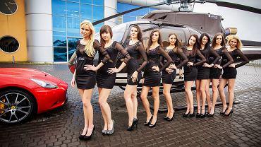 Dziewczyny i samochód