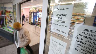 Od kilku miesięcy Polska zajmuje pierwsze miejsce w Unii Europejskiej pod względem inflacji. W październiku według GUS wyniosła 3,1 proc., zaś stosując metodologię Eurostatu 3,8 proc. na zdjęciu: sklep spożywczy w Szczecinie, 15 października 2020