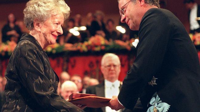 25. rocznica Nobla dla Wisławy Szymborskiej. Jaki dowcip opowiedziała królowi Szwecji?