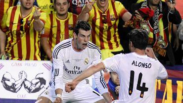 Gareth Bale cieszy się z bramki