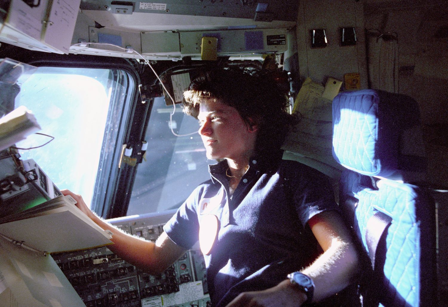 Sally Ride podczas misji w 1983 roku (fot. flickr.com/photos/nasacommons)
