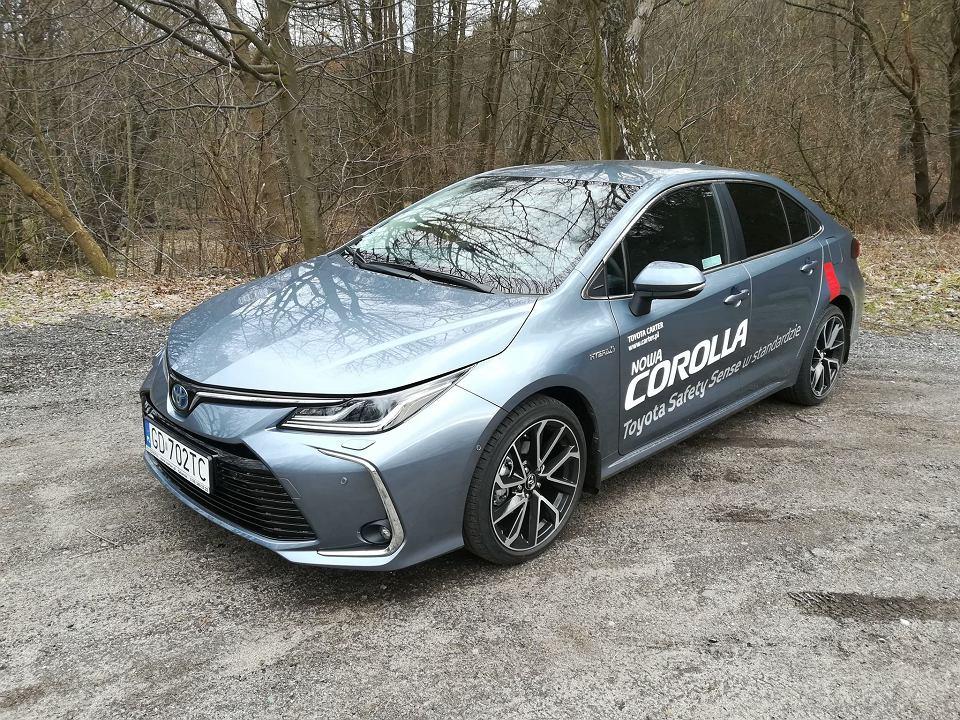 Zdjęcie numer 2 w galerii - Piętrowy Mercedes, nowe BMW i rozchwytywana Toyota