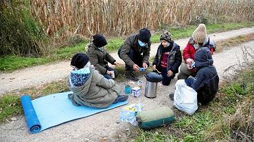 Ojciec z piątką dzieci, uchodźca, któremu udało się przejść zieloną granicę od strony Białorusi