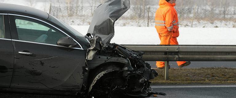 Karambol na S7 w woj. świętokrzyskim: zderzyło się 16 samochodów, są ranni