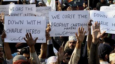 Manifestacja przeciwko publikacji karykatur Mahometa w ''Charlie Hebdo'', Pakistan, Lahore, 15 stycznia 2015