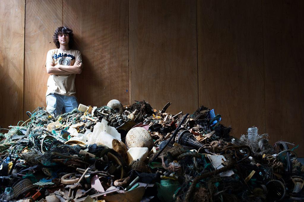 Ocean plastiku. Te śmieci wydobyli wolontariusze na Hawajach. Zostały poddane recyklingowi (fot. The Ocean Cleanup)