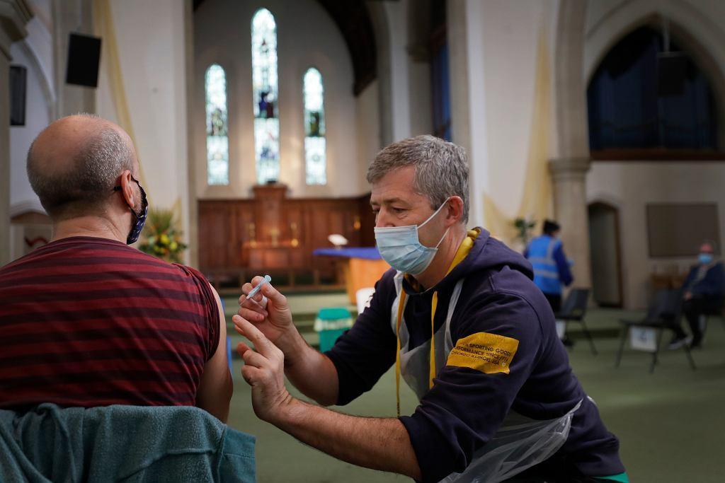 Szczepienia w Wielkiej Brytanii