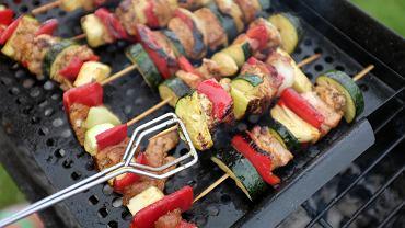 Mięso na grillu, zdjęcie ilustracyjne