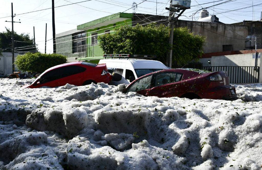 Miasto w Meksyku jak po apokalipsie. Spadły na niego tony gradu