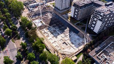 Budowa biurowca MidPoint71 firmy Echo Investment na terenie Centrum Południowego przy ul. Powstańców Śląskich we Wrocławiu