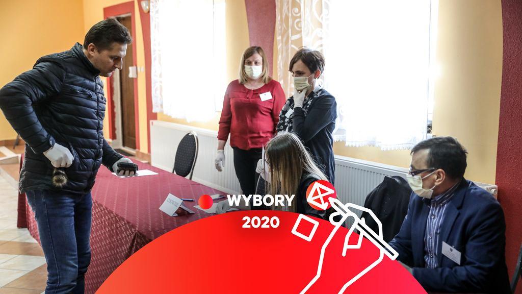 Wybory 2020. Jak głosować za granicą. Do kiedy się zgłosić? (zdjęcie ilustracyjne)