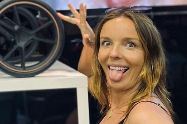Agnieszka Włodarczyk pochwaliła się, że wybrała dla swojego dziecka nie jeden, a dwa wózki. Wszystko dlatego, że nie mogła zdecydować się, który kolor bardziej jej się podoba.