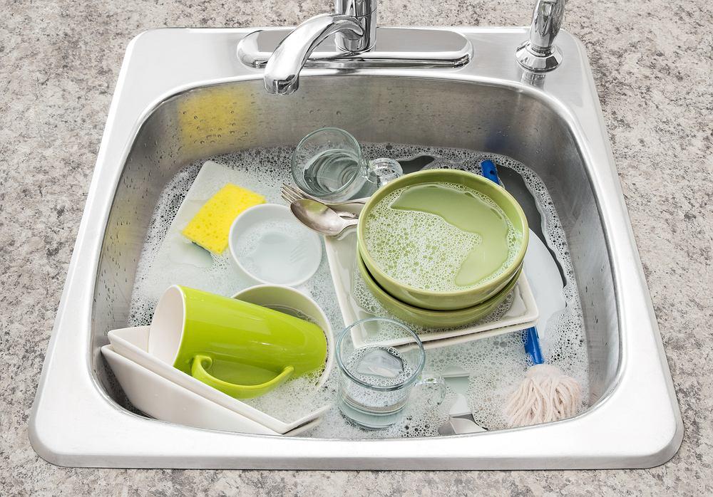 Mycie naczyń to jedna z najmniej lubianych czynności.