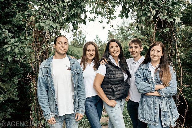 Agnieszka ma czworo dzieci, dwoje już dorosłych i dwoje nastolatków.  - Tutaj, na wsi, mamy więcej czasu dla siebie niż w mieście