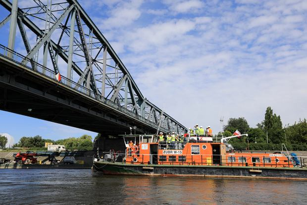 Zdjęcie numer 22 w galerii - Dziennikarze sprawdzali, jak przebiega rozbudowa starego mostu za 123 mln zł [GALERIA]
