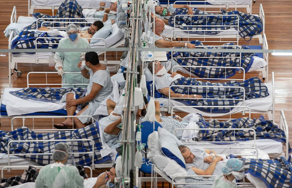 Sao Paulo, Brazylia. Pacjenci w szpitalu polowym dla osób zakażonych koronawirusem.