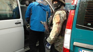 Funkcjonariusze Bieszczadzkiego Oddziału Straży Granicznej rozbili zorganizowaną grupę przestępczą, która udzielała pomocy Ukraińcom w nielegalnym przedostaniu się do Wielkiej Brytanii