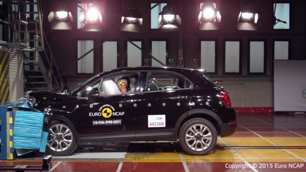Fiat 500X - test zderzeniowy