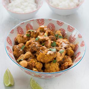Curry kalafiorowe z ryżem