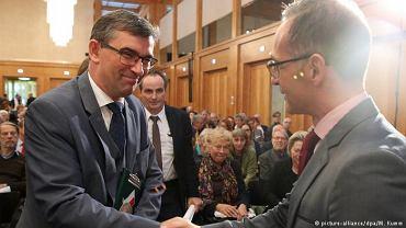 Konferencja w Berlinie: ambasador Andrzej Przyłębski (z lewej) i szef MSZ Heiko Maas